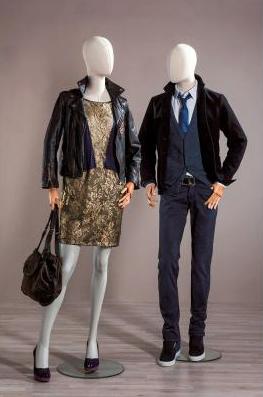 Maniquíes mujer y hombre vintage pierna adelantada