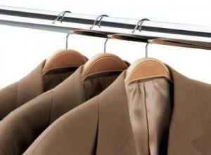 perchas laminadas para tiendas de ropa