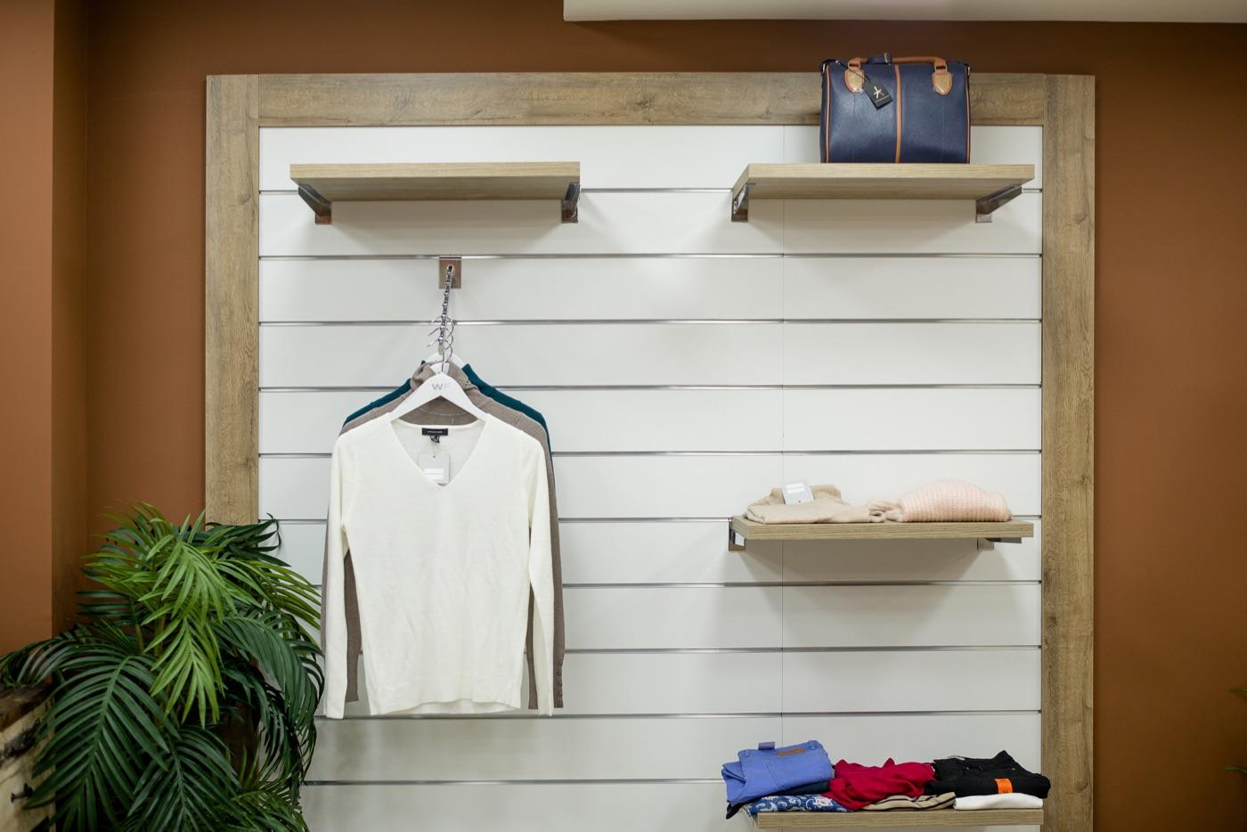 5970b01d74c Cómo organizar la ropa de tu tienda - Blog de RETIF España