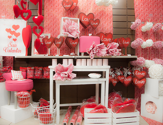 C mo decorar tu tienda para san valent n retif espa a blog - Decorar para san valentin ...